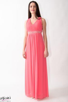 Rochie de ocazie roz accesorizată cu perle