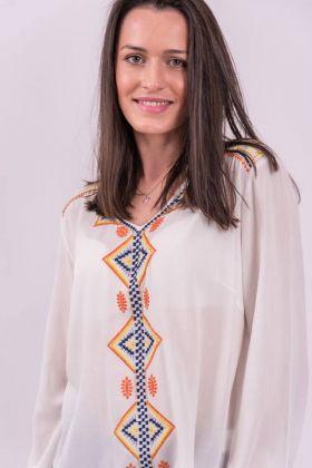 Bluză albă cu broderie decorativă