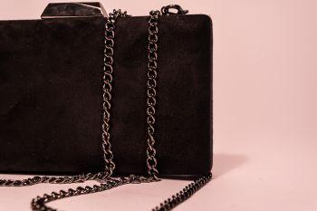 Clutch Diana & Co - neagră material catifelat