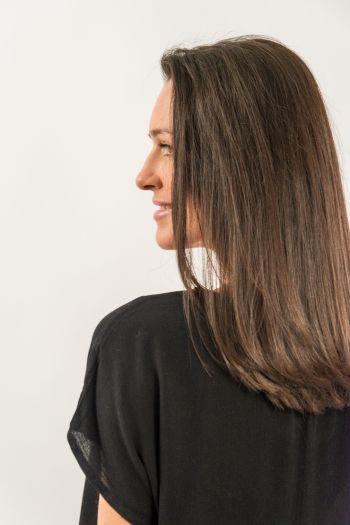 Bluză neagră brodată cu ștrasuri aplicate