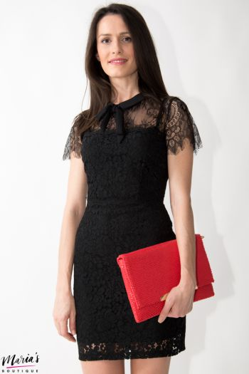 Rochie neagră din dantelă cu fundă neagră
