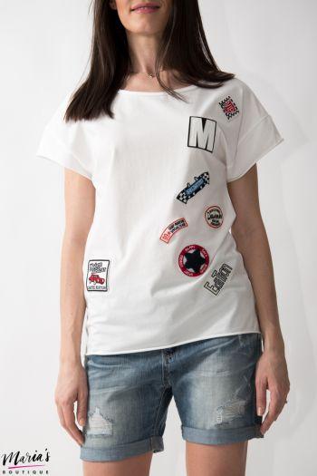 Tricou alb cu petice aplicate