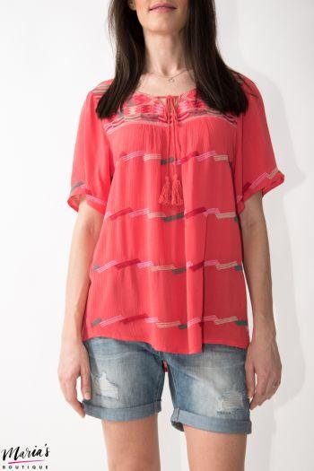 Bluză roz cu elemente brodate și canafi