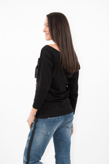 Bluză neagră cu imprimeu și fundă neagră