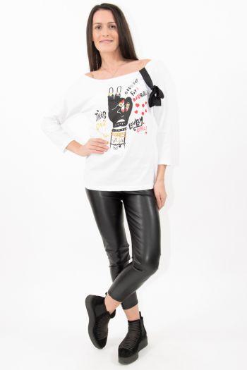 Bluză albă cu imprimeu și fundă neagră