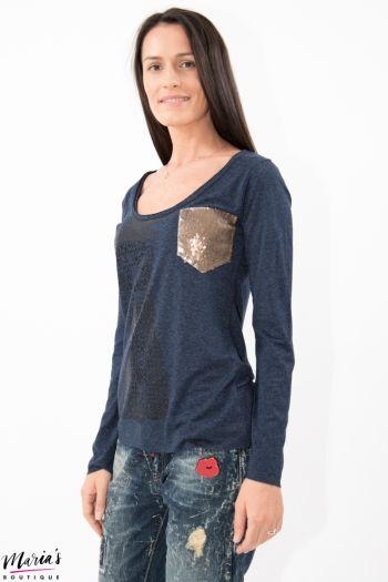 Bluză albastră cu buzunar din paiete aplicat