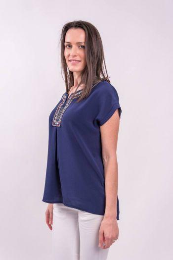 Bluză albastră cu broderie aplicată