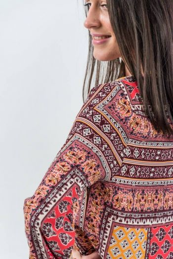Bluză vaporoasă cu imprimeu geometric