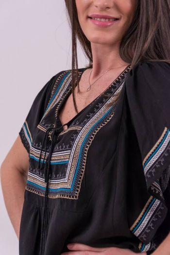 Bluză neagră cu broderie și șnur cu canaf